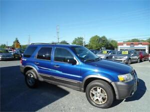 2005 Ford Escape XLT 4x4 - 187000 km , great looking suv !