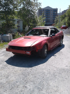 2003 Ford Mustang convertible 5L for parts