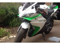 Yamaha yzf 125 needs a tune up but other than that perfect