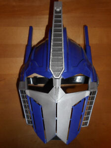 TRANSFORMERS Masque Optimus Prime