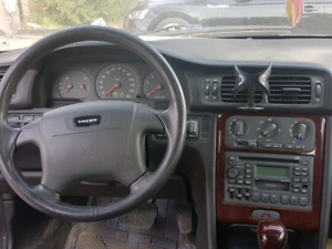 2005 VOLVO  V70 SE FOR SALE. 6 CYLINDER