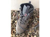 Berghaus hiking boots (6.5)