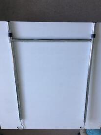 Extending wardrobe rail