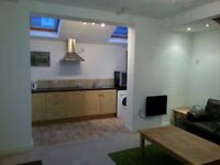 One bedroom modern, furnished detached property for rent in Ossett, Wakefield. Fully refurbished