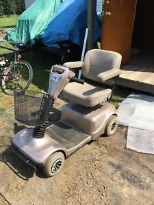 Electric 4 wheel mobility scooter