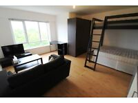 STUNNING LARGE FULLY SELF CONTAINED STUDIO TO RENT!!!!!!!