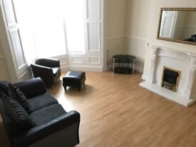 ** SPACIOUS 1 BEDROOM FLAT IN ASHBROOKE, CLOSE TO CITY CENTRE, SUIT SINGLE OR COUPLE L@@K AT **