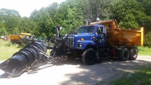 1998 International tandem plow truck
