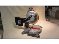 COMPOUND MITRE SAW TABLE