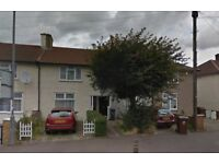 BRILLIANT 2 BEDROOM FLAT only £1240pm!! - DAGENHAM - RM10 8DP - AVAILABLE NOW !!! - WILL GO FAST -