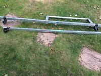Van roof bars, complete with rear roller