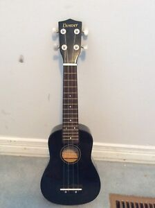 Denver black ukulele