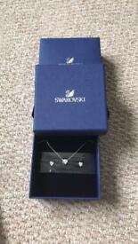 Swarovski necklace and earring heart set