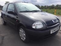 SALE! Bargain trade in to clear, Renault Clio, full years MOT ready to go