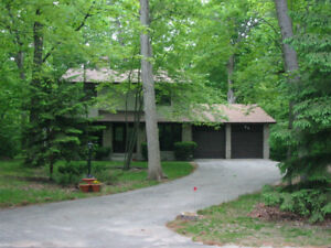 Large home in Grand Bend, close to Exeter and Parkhill