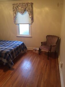 ROOM FOR RENT: Loyalist Students or Mature Working Adult
