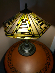 Tiffany Lamp Stained Glass Vitre Lampe de Table vitraille
