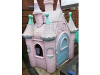 Girls princess castle Disney little tikes play house outdoor castle