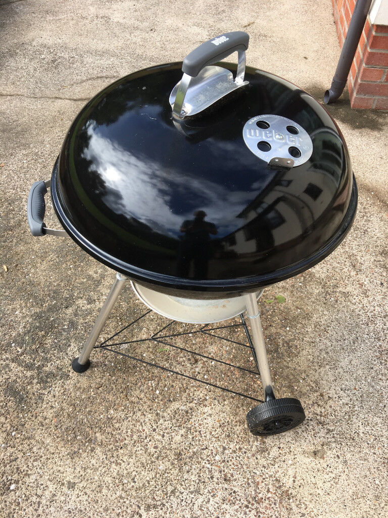 Webber 57cm kettle BBQ with wood chips and bbq utensilsin Barnstaple, DevonGumtree - 57cm Webber kettle BBQ, with wood chips and bbq utensils shown in photo. Barely used and in great condition