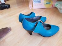 Girl heels shoes size 2 and 3
