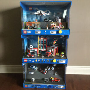 LEGO DISPLAYS ** NEW FIRE SALE PRICE ** OPEN TO OFFERS !!