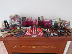 134 PAIRS OF BRATZ DOLL SHOES, BAGS OF CLOTHING, FURNITURE