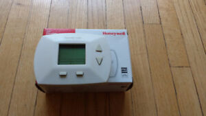 Furnace and AC Thermostat - Honeywell RTH5100B1017