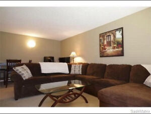 Townhouse Condo. 2 Bed 1 Bath,$1350. Incl Water n heat