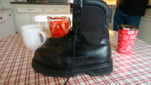 Brand new Bates steel for work boots safety boots