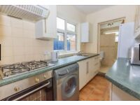 selly oak, Birmingham university student house 15mins distance to uni 5 mins to sainsburys/train/bus