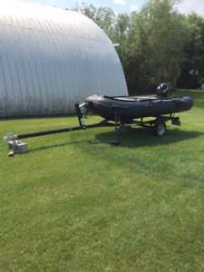 Seamax HD360 inflatable boat, 9.9 Mercury FourStroke outboard an