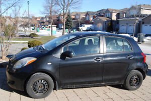 2007 Yaris LE Hatch. No Accident. Make offer. Safety and e-test.