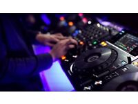 1 on 1 DJ lessons / course. Beginners and intermediate.