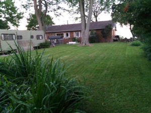 Attn Handymen or Contractors: Lake Erie 100' waterfront property