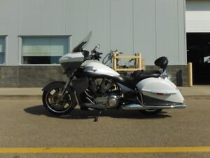 2016 Victory Motorcycles Cross Country Tour Two-Tone White Pearl