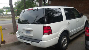 2004 Ford Expedition white SUV, Crossover
