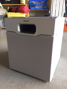 Sony speakers - subwoofer and 2 side speakers