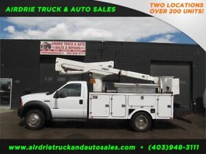 2006 Ford Super Duty F-550 DRW Bucket Truck