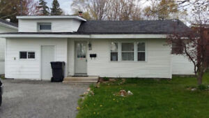 NEW LISTING! 84 Amy AVE.