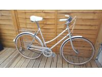 Ladies retro town bike
