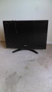 """32 """" flat screen tv ... best offer takes it"""
