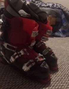 ATOMIC MENS SKI BOOTS (Great Condition)