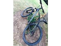 Carrera vulcan 2016 mountain bike.