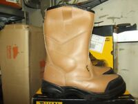 Used and New WorkWear! Low Prices Dewalt Stanley Site Dr Martins Portwest Timberland Himalaya