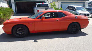 2010 Dodge Challenger hemi only 13000 kms