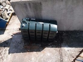 Oil tank - 1100 litres, great condition