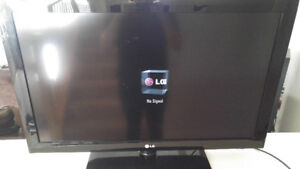 LG 37 inch LCD flat screen tv with remote. obo