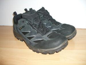 """"""""""" ECCO """""""" hiking / walking shoes --- size 13 US / 46-47 EU"""