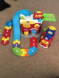 Toot toot fire engine set