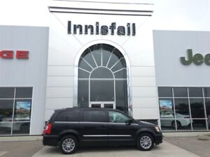 2016 Chrysler Town & Country Touring-L Leather, Power tail gate